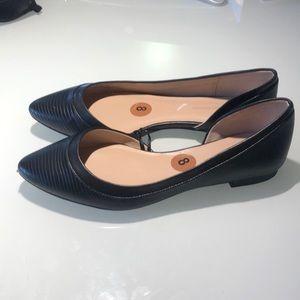 NWOT BCBGeneration Black Flat Shoes size 8